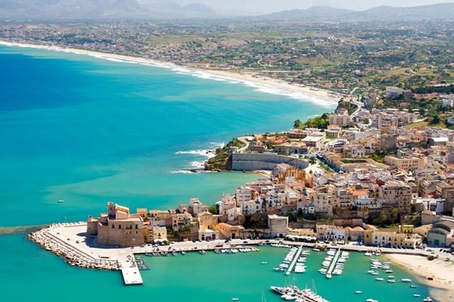 """Sicily - Hòn đảo nổi tiếng hoàn mỹ với cảnh sắc đẹp như """"thiên đường"""" và nền văn hoá độc đáo, lâu đời - Ảnh 1"""