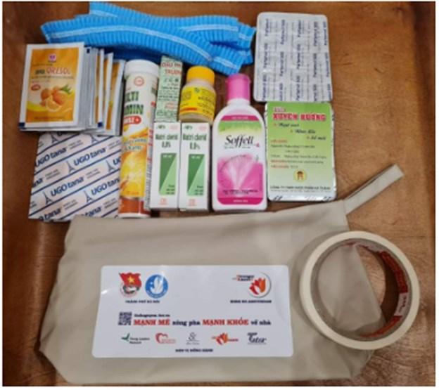 Quỹ Stronger with Amser tặng 1.500 túi y tế cá nhân cho tình nguyện viên chống dịch - Ảnh 2