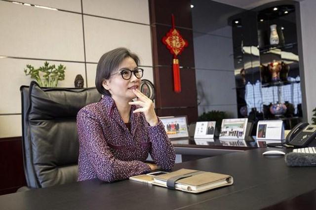 Chu Quần Phi - Từ cô công nhân nghèo thành nữ tỷ phú giàu nhất thế giới - Ảnh 2