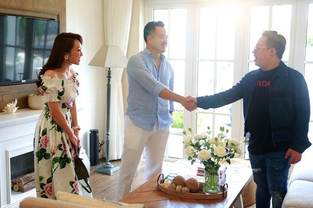 Chi Bảo và Tùng Leo cùng hứa sẽ sớm trở thành hàng xóm của nhau tại NovaWorld Phan Thiet.