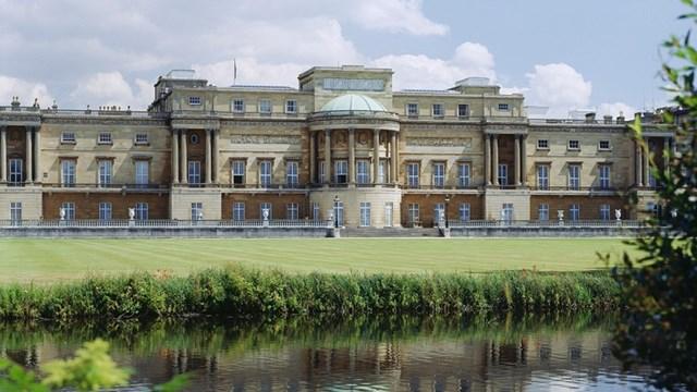 Khuôn viên Cung điện Buckingham (Nguồn: Rct.uk)