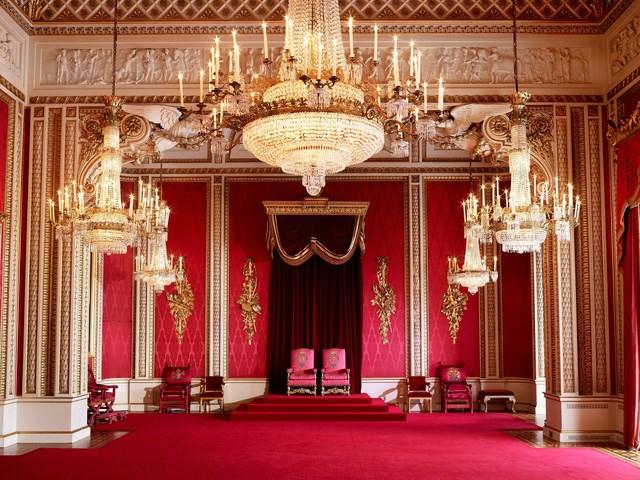 Ngai vàng của Nữ hoàng Elizabeth II vẫn được giữ lại tại phòng Thiết Triều