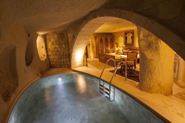 Những khách sạn trong hang vô cùng độc đáo khiến du khách thích mê - Ảnh 6
