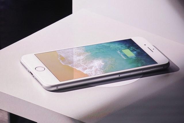 Trước khiiPhone 12 ra mắt,iPhone 8 và 8 Plusqua sử dụng có giá từ 7,2 triệu đồng và 9,6 triệu đồng. Hiện tại, bộ đôi này có giá lần lượt từ 6 triệu và 8,6 triệu đồng cho bản 64 GB. Một số hệ thống cho biết 2 model này nằm trong top bán chạy nhiều tháng liền nhờ mức giá dễ chịu và cấu hình vẫn đáp ứng được nhiều nhu cầu của người dùng.