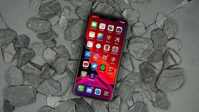 iPhone 11 Pro Maxqua sử dụng được giảm 2,1 triệu đồng, còn 21,4 triệu đồng. Thiết bị sở hữu chip Bionic A13, RAM 4 GB, màn hình 6,5 inch. iPhone 11 Pro Max chính hãng đang được bán với giá từ 23,4 triệu đồng giảm 400.000 đồng so với tháng trước.