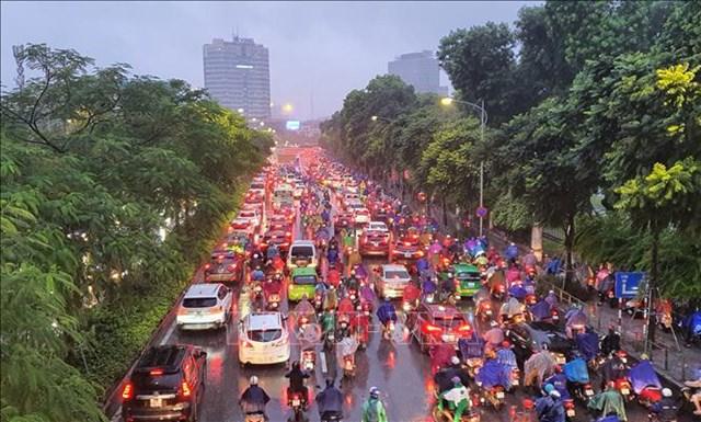 Ùn tắc giao thông kéo dài trên đường Đại Cồ Việt (Hà Nội) trong giờ cao điểm, ngày 14/10/2020 (Ảnh minh họa: Danh Lam/TTXVN)