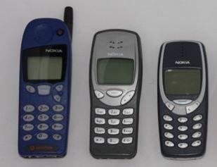 Bộ ba điện thoại Nokia 5110, 3210 và 3310 theo thứ tự từ trái sang phải (Ảnh: Pinterest)