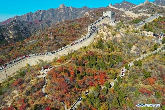 Bát Đạt Lĩnh là đoạn thuộc Vạn Lý Trường Thành đón đông khách thăm nhất, cách trung tâm thủ đô Bắc Kinh 80 km về phía tây bắc.