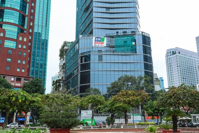 Từ đó, Sở Kế hoạch và Đầu tư TP HCM đề nghị Sở Tài nguyên và Môi trường, Sở Xây dựng rà soát pháp lý dự án khách sạn theo quy định.