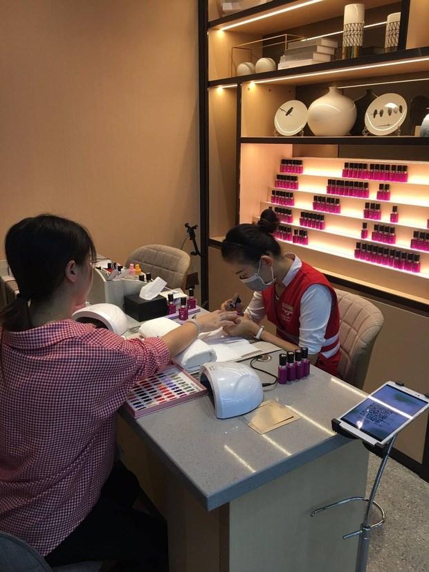 Ở Haidilao, khách hàng được phục vụ vô cùng chu đáo