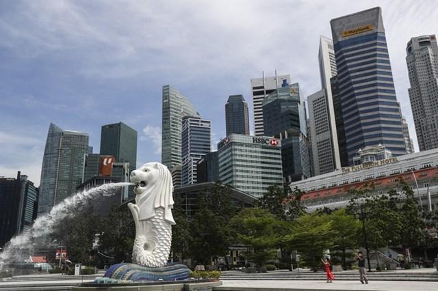 Singapore thu hút nhà giàu châu Á bởi sự uy tín về tài chính và ưu đãi thuế. Ảnh:AP.