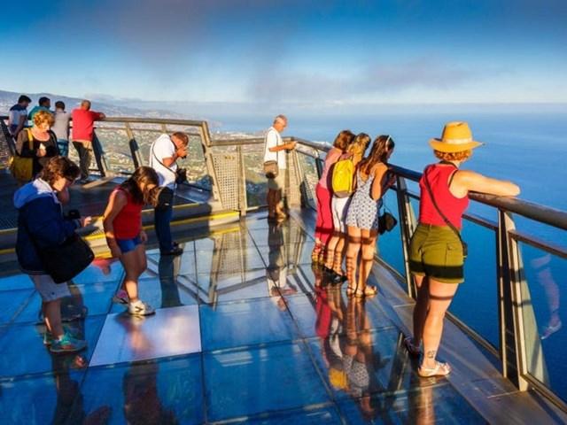 Ở đây có một trong những cầu kính cao nhất tại châu Âu, là điểm ngắm cảnh thu hút rất đông du khách.