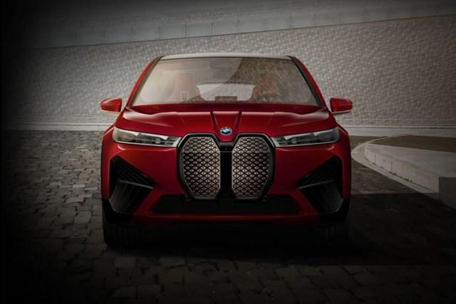 Mẫu xe điện BMW iX nhận nhiều chê bai về mặt thiết kế.