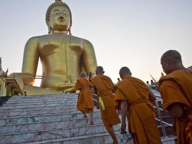 Tượng Phật tại chùa Wat Muang, tỉnh Ang Thong (Thái Lan). Ảnh: AP