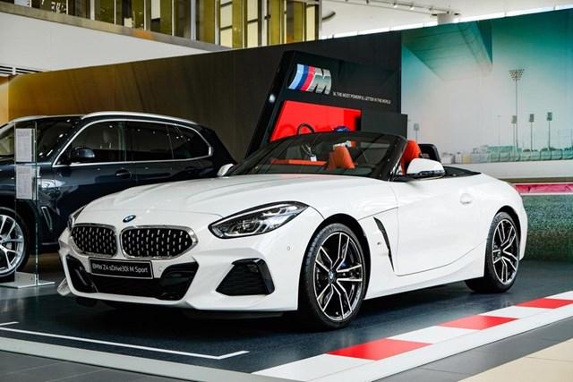 BMW Z4 - huyền thoại mui trần ra mắt tại Việt Nam - Ảnh 1