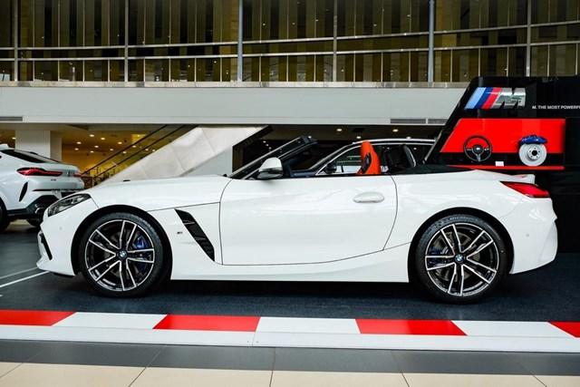 BMW Z4 - huyền thoại mui trần ra mắt tại Việt Nam - Ảnh 3