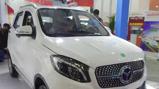 Luxing iStar do Công ty Dezhou Luxing Vehicle Company (ở thành phố Đức Châu, tỉnh Sơn Đông, Trung Quốc) sản xuất có kiểu dáng nhỏ gọn, nhiều chi tiết nội, ngoại thất nhái phong cách thiết kế của xe sang Mercedes như GLC, GLE, A-class. Đây là mẫu ô tô chạy điện với trang bị động cơ điện 72 V, tốc độ tối đa 45 km/h, phạm vi di chuyển 150 km. Tại thời điểm ra mắt ở Trung Quốc, xe có giá 22.000 tệ (khoảng hơn 60 triệu đồng).