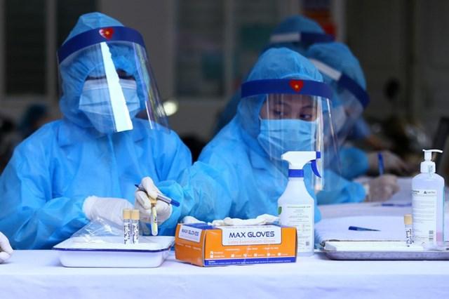 Cộng dồn các ca nhiễm tính từ 27/4 đến nay, cả nước ghi nhận tổng cộng 571.745 trường hợp, ghi nhận ở62 tỉnh thành.