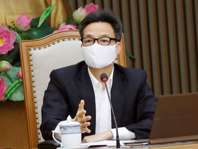 Phó thủ tướng Vũ Đức Đam yêu cầu đề nghị Bộ Y tế tổ chức tiêm vaccine, đánh giá độ an toàn, hiệu quả một cách tốt nhất.