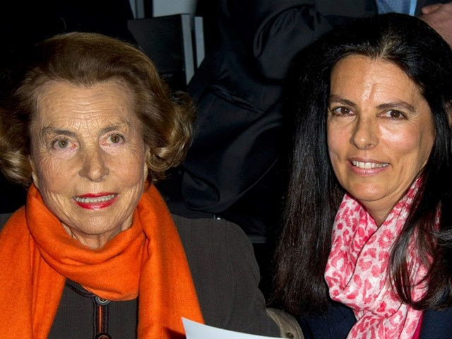 Bettencourt Meyers và mẹ - bàLiliane Bettencourt.