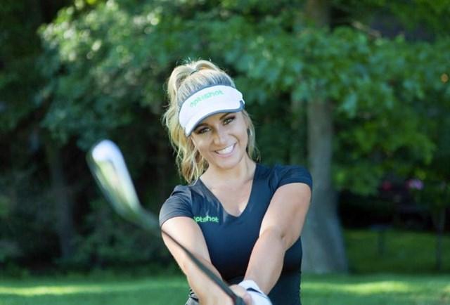 Nụ cười rạng rỡ, mái tóc vàng bồng bềnh cùng thân hình khỏe khoắn là những đặc điểm mà nhiều người nhớ đến nữ vận động viên golf chuyên nghiệp người MỹChelsea Lynn Pezzola.