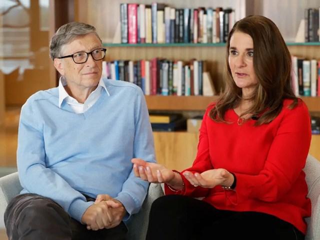 """Chia tay nhưng """"cả hai vẫn có chung niềm tin vào sứ mệnh đó và sẽ tiếp tục làm việc cùng nhau, nhưng không nghĩ rằng sẽ tiếp tục ở bên nhau như hai vợ chồng trong giai đoạn tiếp theo của cuộc đời. Xin hãy để gia đình chúng tôi có không gian và sự riêng tư khi bắt đầu xây dựng một cuộc sống mới"""", lời chia sẻ của Bill và bàMelinda đăng tải trên Twitter ngày 3/5."""