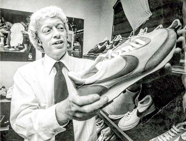 Hồ sơ tỷ phú - Kỳ 19: Phil Knight - chàng sinh viên giả danh giám đốc và CEO đế chế giày Nike - Ảnh 2