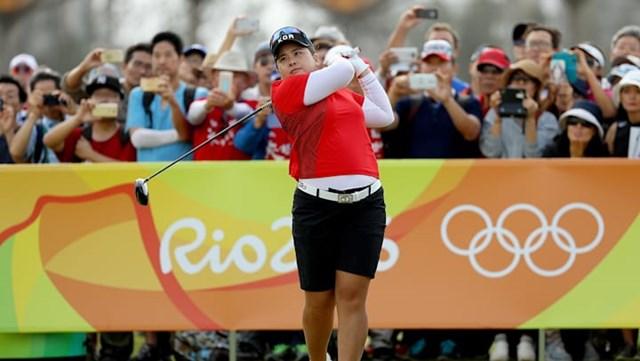 Không dừng lại ở đó, nữ golfer này cũng trở thành người phụ nữ đầu tiên sau 116 năm giành được chiếc huy chương vàng môn golf tại kỳ Olympic Rio 2016, chỉ sau bà Margaret Abbott tại Olympic năm 1900.