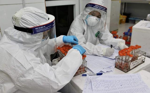 Cộng dồn các ca bệnh từ ngày 27/4 đến nay, cả nước ghi nhận tổng số ca nhiễm bệnh là596.981 trường hợp.