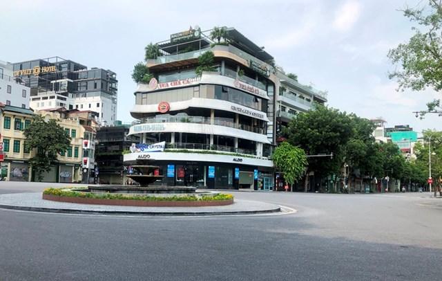 15 quận, huyện nội đô Hà Nội sẽ giãn cách xã hội theo Chỉ thị 16.