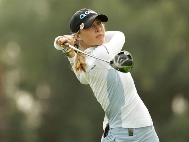Ba năm sau, Korda bắt đầu sự nghiệp golf chuyên nghiệp với giải Symetra Tour. Ngay tạiSioux Falls GreatLIFE Challenge - sự kiện chuyên nghiệp đầu tiên của Korda, cô đã kết thúc mùa giải với vị trí thứ 9 trong danh sách kiếm tiền, nhờ đó cô có được tấm vé chơi tại LPGA Tour năm 2017.
