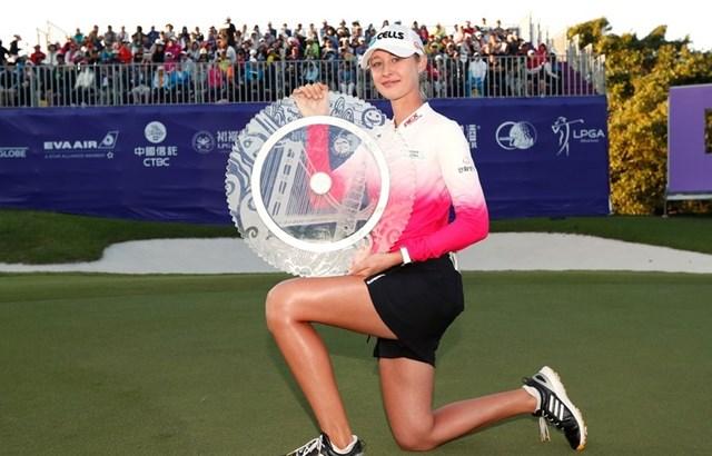 """Năm 2018, Korda đã giành chức vô địch Swinging Skirts LPGA Taiwan Championship tại Taoyuan, Đài Loan. Đây cũng là danh hiệu LPGA Tour đầu tiên trong sự nghiệp của """"bóng hồng"""" làng golf này."""