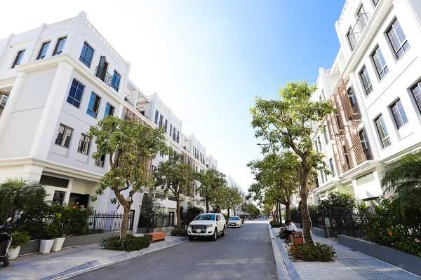 Giá bán sơ cấp trung bình của thị trường Hà Nội và các tỉnh lân cận đạt 4.468 USD/m2 đất
