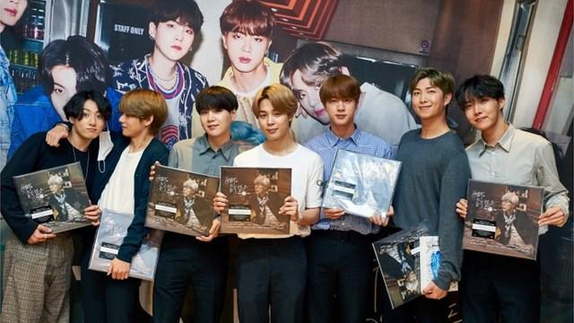 Big Hit lên sàn thành công,7 thành viên của BTS đều trở thành triệu phú