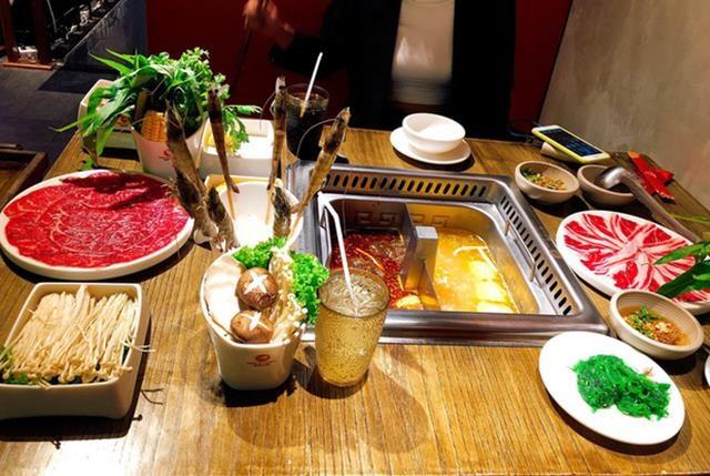 Nhà hàng buffet bị đánh giá 1 sao vì phạt khách bỏ rau - Ảnh 1