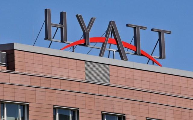Sự thật ít người biết về gia tộc sở hữu chuỗi khách sạn đình đám: Vươn lên từ thân phận 'người nhập cư', chi vài tỷ USD mua lại thương hiệu Hyatt sau bản kế hoạch phác thảo trên giấy ăn - Ảnh 1