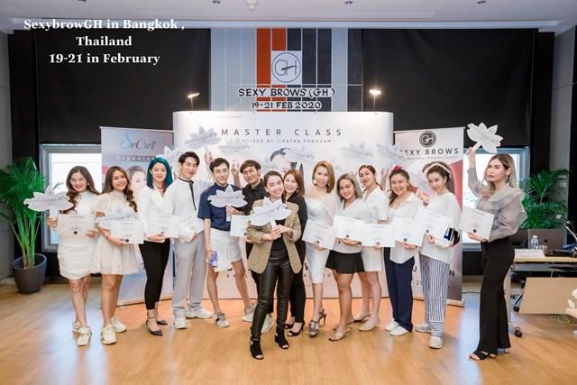 CEO Hậu Nguyễn: Thành công là đích đến để mỗi người phụ nữ tự tin tỏa sáng vẻ đẹp của riêng mình - Ảnh 1