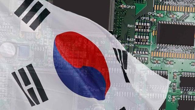 Hàn Quốc tiết lộ kế hoạch đầu tư 450 tỷ USD vào ngành công nghiệp sản xuất chip. Ảnh: Nikkei