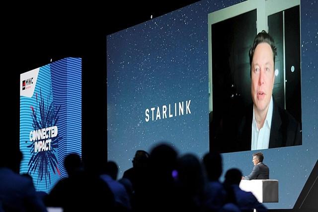 Elon Musk phát biểu trực tuyến tạisự kiện MWC 2021.
