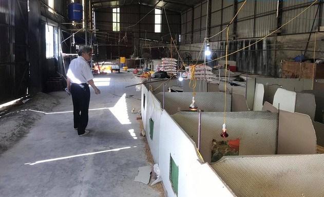 Bị ngân hàng siết nợ, hiện Chủ tịch Vinaxuki vẫn đang sống trong ngôi nhà nằm tại nhà máy của Vinaxuki ở Mê Linh cùng đồng lương hưu và khoản thu nhập từ việc nuôi gà.
