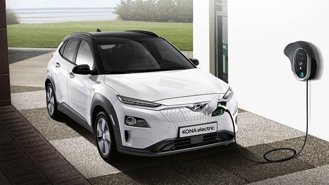 Kona EV với cổng sạc phía đầu xe. Ảnh:Hyundai