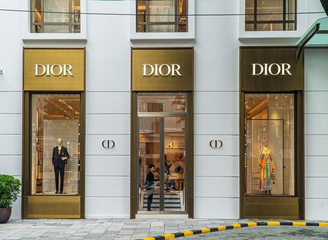 Louis Vuiton và Christian Dior chuẩn bị mở flagship ở Hà Nội.