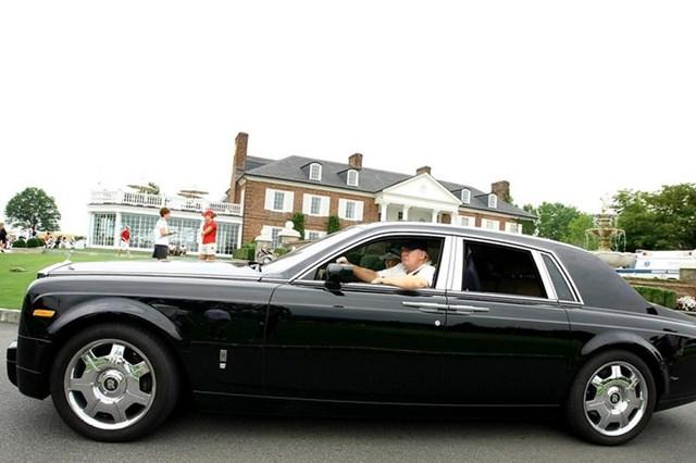 Ông Trump sở hữu chiếcRolls-Royce Phantom VII trước khi trở thành bắt đầu nhiệm kỳ tổng thống năm 2016. Ảnh: Twitter