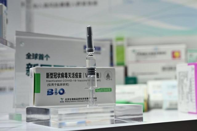 Vaccine Covid-19 thử nghiệm của CNBG. Ảnh:Bloomberg.