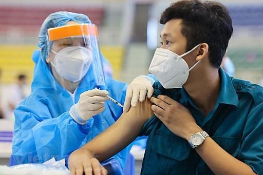 Bộ Y tế lên kế hoạch tiêm vắc xin phòng Covid-19 cho trẻ em từ 12-17 tuổi. Ảnh Bộ Y tế