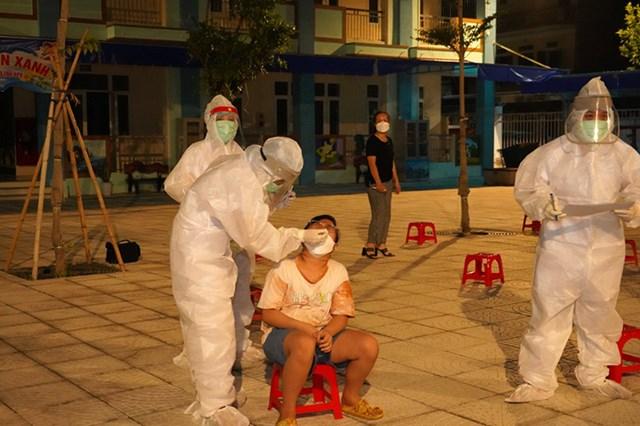 Tỉnh Hà Nam hiện là địa phương có dịch bệnh Covid-19 phức tạp với 550 ca nhiễm sau gần 3 tuần có dịch. Ảnh Bộ Y tế