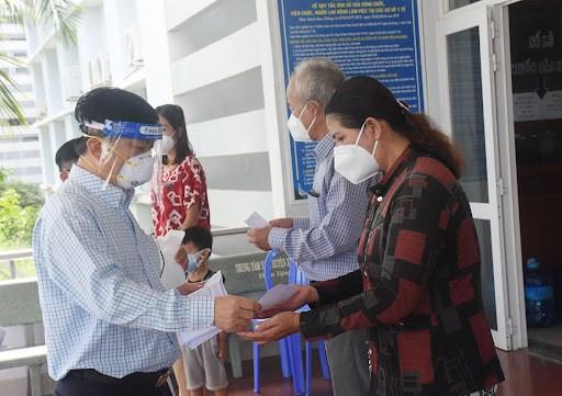 Thêm 1.191 bệnh nhân được chữa khỏi Covid-19 trong ngày 13/10, số ca nặng đang điều trị cũng giảm mạnh. Ảnh Bộ Y tế