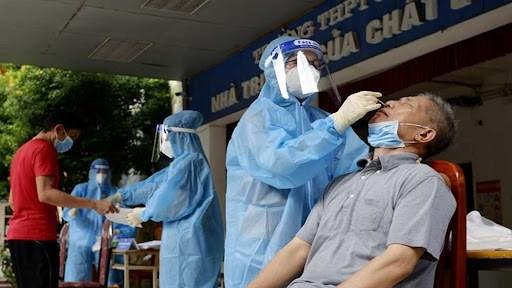 Tăng cường xét nghiệm tại Hà Nam, địa phương đang có dịch Covid-19 phức tạp và khá nghiêm trọng với gần 600 ca nhiễm. Ảnh Bộ Y tế