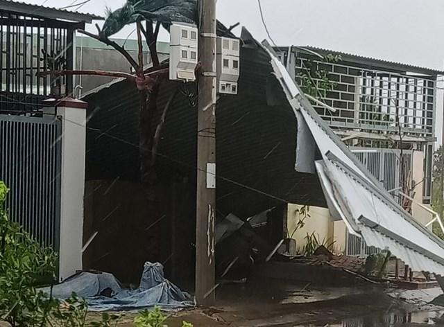 Bão số 9 gây thiệt hại lớn về người và tài sảnr sau khi đổ bộ vào các tỉnh Trung Trung Bộ. Ảnh: Tổng cục phòng chống thiên tai