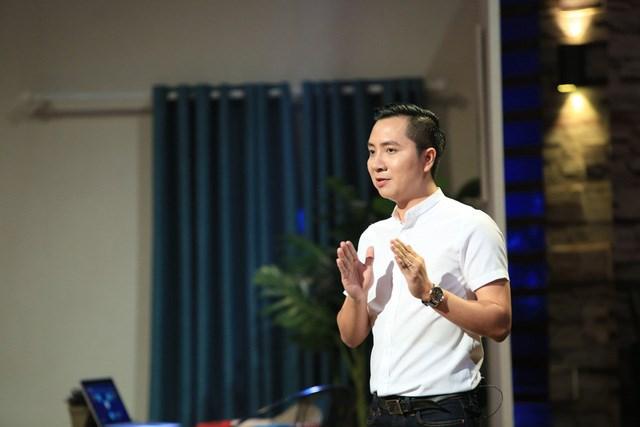 Ông Nguyễn Văn Dũng (Steven Nguyen, CEO Luxstay) trong một chương trình gọi vốn trên truyền hình.